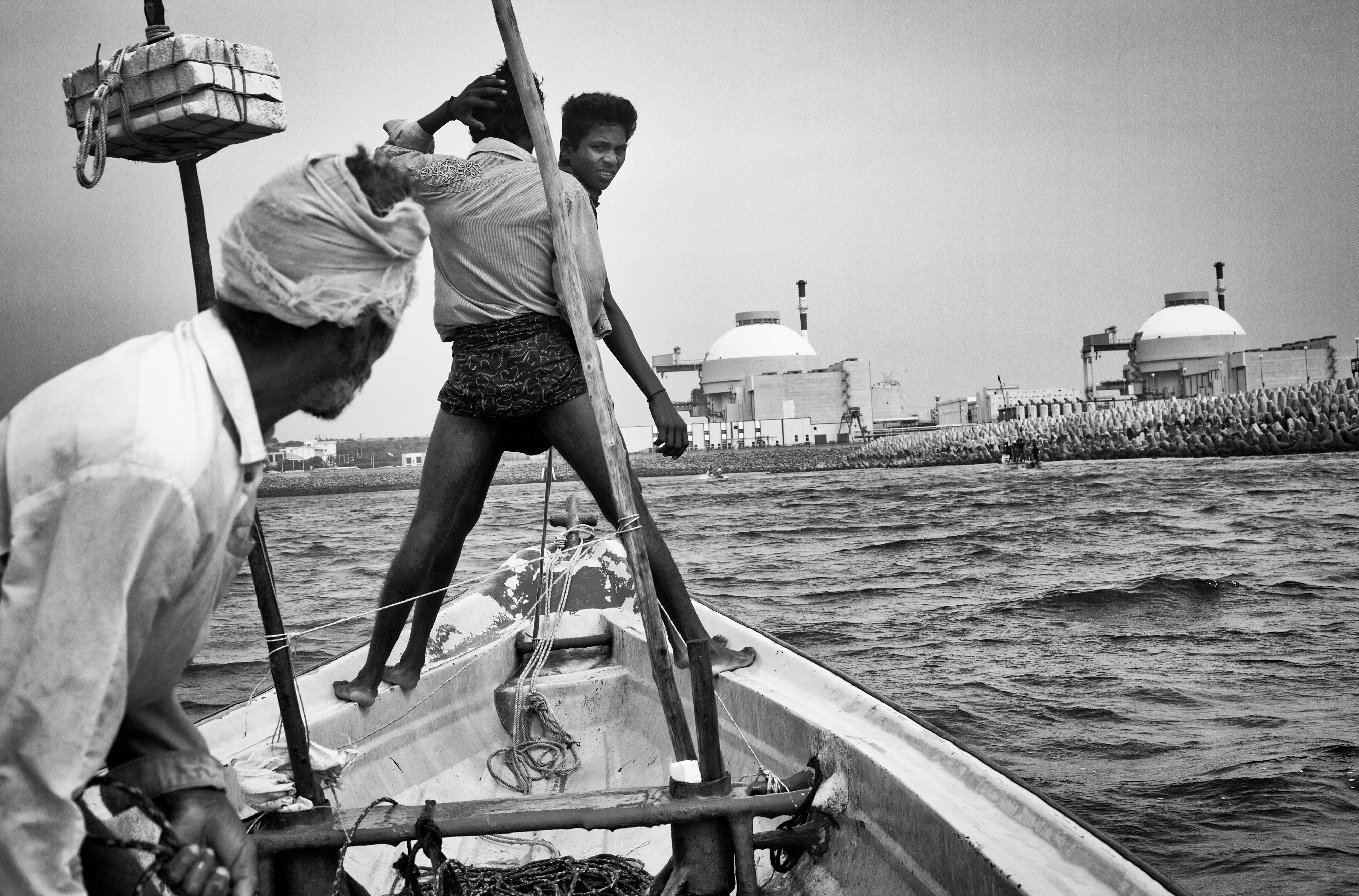 Fishermen proceeding towards the Koodankulam Nuclear Power Plant to lay a siege on World Fishermen Day, 2011.